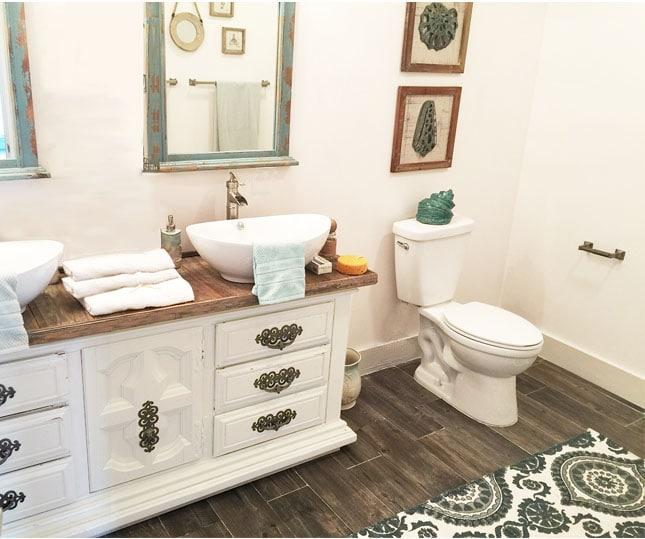 Posa bagno beautiful foto di posa piastrelle bagno senza - Parquet in bagno consigli ...